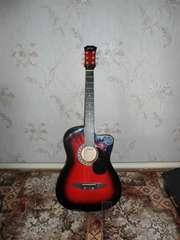 Продам гитару в хорошем состоянии срочно ,  не дорого